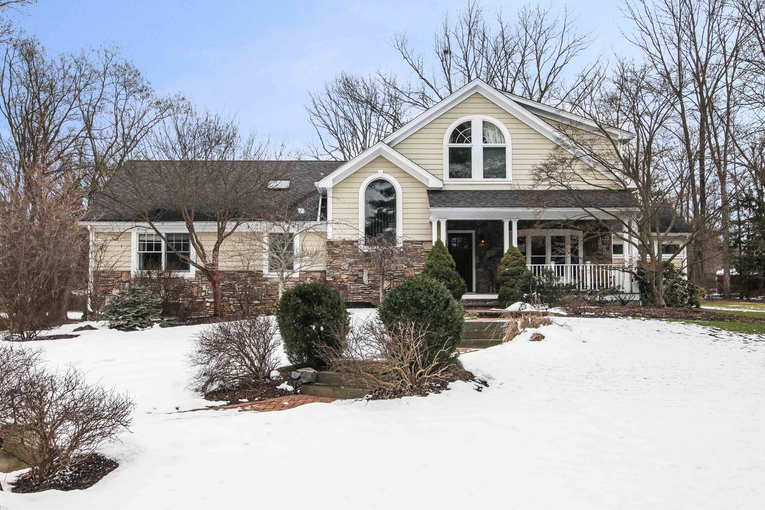 37 Pine Court, New Providence, NJ