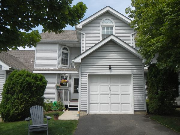 Berkeley Heights Town Home For Sale