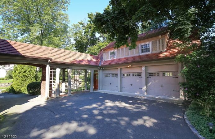 Carriage House & Garage